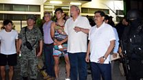 誘拐から解放のサッカー・メキシコ代表 手首に包帯
