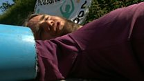 Anti-nuclear protesters block roads