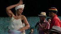 Dia oficial de 'pungar' e esquentar os tambores: conheça o tambor de crioula