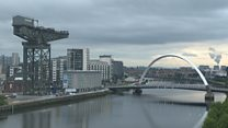 Dawn breaks over the River Clyde
