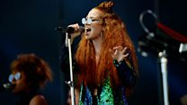 Jess Glynne - Don't Be So Hard On Yourself (Glastonbury 2016)