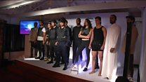 Colômbia faz desfile de moda com roupas à prova de balas