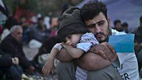 Photographing children of war