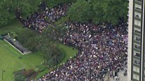 Thousands gather for Brexit protest