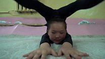 """""""Гуттаперчевые девочки"""" из Монголии творят чудеса"""