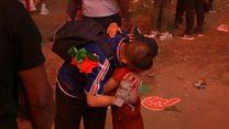 Menino português consola torcedor francês em prantos com abraço após final da Euro
