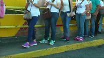 Венесуэльцы рвутся в Колумбию за едой и лекарствами