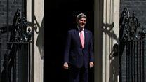 John Kerry suffers door mishap at No 10 Downing Street
