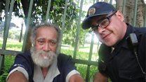 El policía que se lleva a drogadictos y a sin techo a su casa y los ayuda a encontrar a sus familias