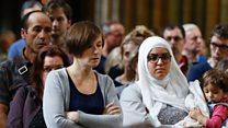 カトリックのミサにイスラム教徒も 仏司祭殺害に対抗