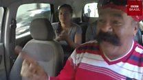 Conheça Bigode, o taxista cantor do Rio