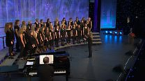 Côr Merched dros 20 mewn nifer (28) / Women's Choir with over 20 members (28)