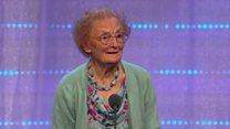 Helena Jones, yn cystadlu ar lwyfan yr Eisteddfod yn 99 oed