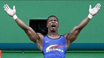 En 60 segundos: el llanto de Oscar Figueroa, la primera medalla de oro de Colombia y otras hazañas del tercer día de las Olimpia