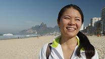 A economista que deixou o Japão para viver com marido colombiano em favela carioca: 'É o paraíso'