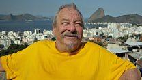 Ricos matariam a mãe por green card, diz britânico que abriu clube de jazz em favela