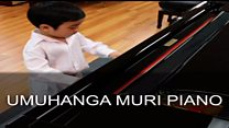 Ku myaka 4 gusa, uyu mwana ni umuhanga muri piano
