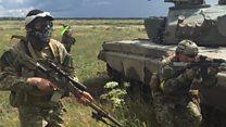 Los civiles polacos que se preparan para la guerra