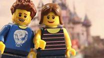 Britânico faz animação com peças de Lego para pedir namorada em casamento