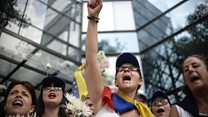Venezuela: Rival mass protests held