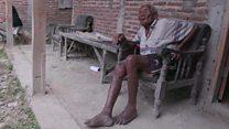 El anciano en Indonesia que dice tener 145 años ¿Es el hombre más viejo del mundo?