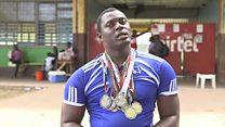 La estrella paralímpica de Sierra Leona que no tiene dónde vivir