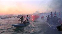 Protest Venetian style...