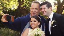 El momento en que Tom Hanks se cuela en las fotos de boda de una pareja en Central Park