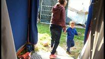イタリア中部地震の被災家族、いまだにテント生活