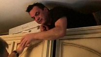 Após 5 anos foragido, mafioso italiano é encontrado escondido dentro de armário