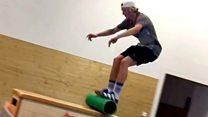 ¡Advertencia! La acrobática rutina de entrenamiento que no se recomienda hacer en casa