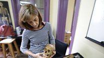¿Cómo los forenses identifican el cuerpo de un desaparecido?