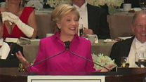 Clinton's jokes at charity dinner