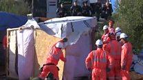"""Así empezó la demolición de """"La Jungla"""" en Calais"""