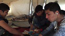 Calais'de geride kalan gençler