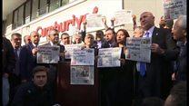سردبیر روزنامه جمهوریت بازداشت شد