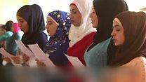 زنان آواره سوری در لبنان تئاتر آنتیگونه را روی صحنه بردند