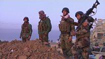 پیشمرگه های کرد وارد شهر بعشیقه در نزدیک موصل شدند، حملات انتحاری داعش ادامه دارد