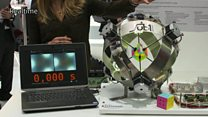 Robot claims new Rubik's Cube record
