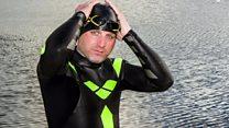 بريطاني يستعد للسباحة عبر الأطلسي