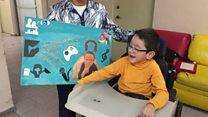 La conmovedora historia de las madres que hacen arte con sus hijos con parálisis