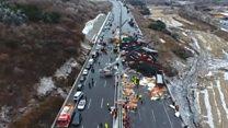 У Китаї на дорозі зіштовхнулись десятки машин