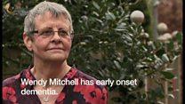 障害手当の打ち切り 認知症の英女性が直面した「制度矛盾」
