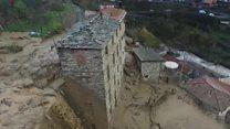 انزلاقات أرضية في إيطاليا تؤدي إلى تدمير المنازل وغلق الطرقات