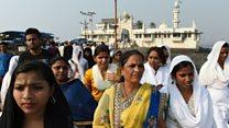 Women readmitted to Muslim shrine