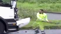 M62 'road rage' driver attacks lorry with shovel