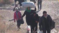 آلاف السوريين ينزحون من حلب
