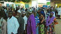 Les gambiens aux urnes