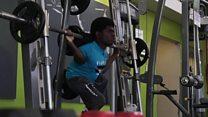 پسری که با داشتن معلولیت، انگیزه ورزش را در دیگران زنده میکند