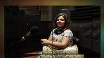 مصرية اختارت العزف على الطبلة فلم تسلم من الانتقادات